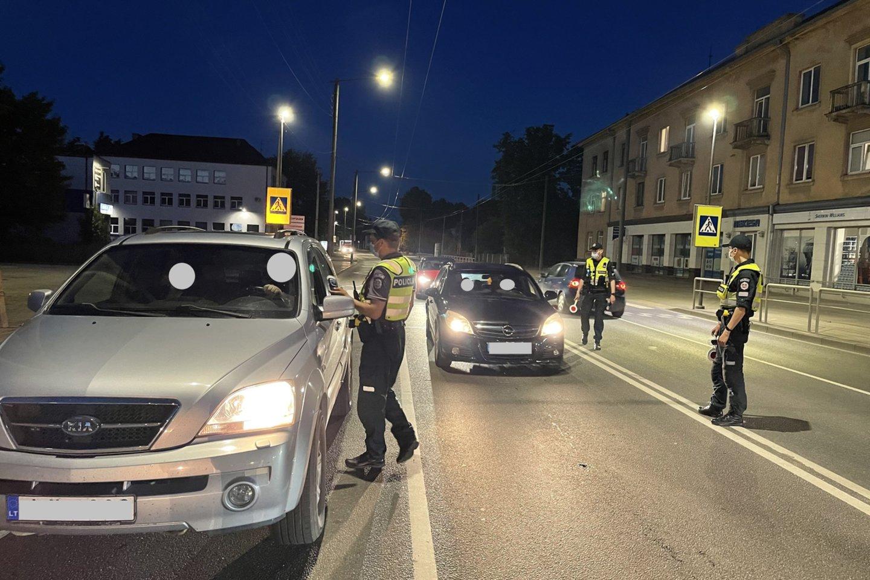 Per savaitę Kelių patrulių kuopos pareigūnai mobiliaisiais greičio matavimo prietaisais užfiksavo 1453 greičio viršijimo atvejus.<br>Pranešėjų spaudai nuotr.