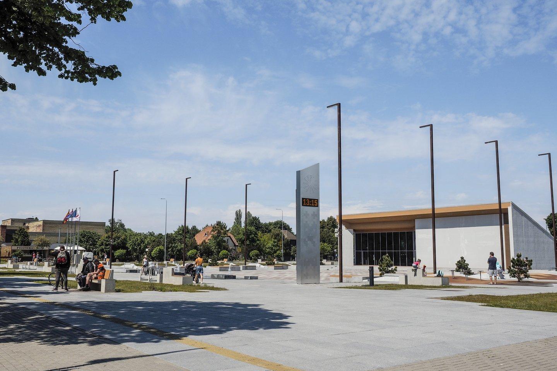Šventosios centre įrengta aikštė.<br>V.Ščiavinsko nuotr.