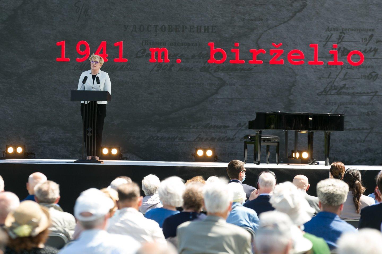 Lietuvoje pirmadienį minima Gedulo ir vilties diena – birželio 14-ąją prieš 80 metų šalį okupavę sovietai pradėjo masinius gyventojų trėmimus į Sovietų Sąjungos gilumą.<br>T.Bauro nuotr.