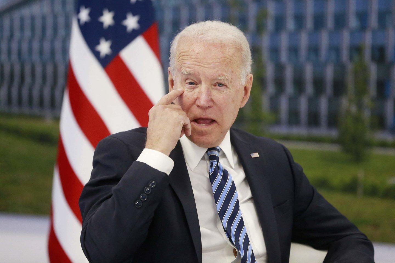 J. Bideno pirmtakas D. Trumpas pakirto pasitikėjimą Vakarų saugumo architektūra, pakurstęs abejonių dėl Vašingtono įsipareigojimo ginti partneres Europoje.<br>AFP/Scanpix nuotr.