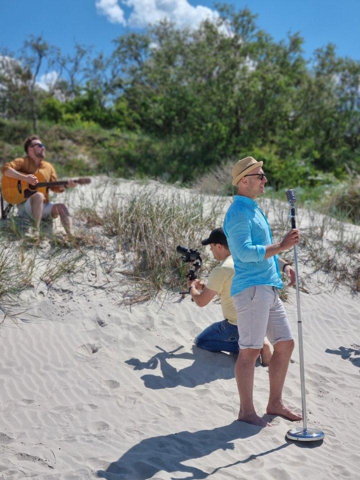 """""""Patruliai"""" pristato dainą, sutvertą skambėti karščiausiuose vasaros vakarėliuose.<br>Pr. siuntėjų nuotr."""