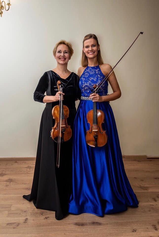 Ievos mama ir sesuo: V.Pranskienė su M.Pranskute.<br>Asmeninio albumo nuotr.
