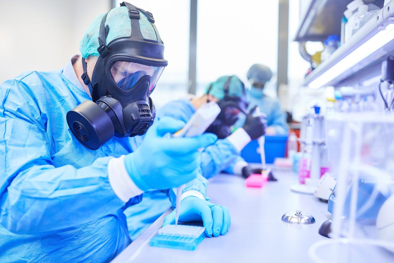 Kinų mokslininkė, atsidūrusi teorijų, esą pandemiją sukėlęs užkratas pasklido iš jos virusologijos laboratorijos, epicentre, paneigė, kad Uhano mieste esanti jos darbovietė atsakinga už pasaulinę sveikatos krizę.<br>123rf nuotr.