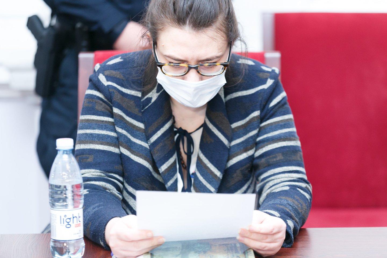 I.Žukauskaitė-Šakalienė dėl žmogžudystės kaltino savo pašlijusią psichiką.<br>T.Bauro nuotr.