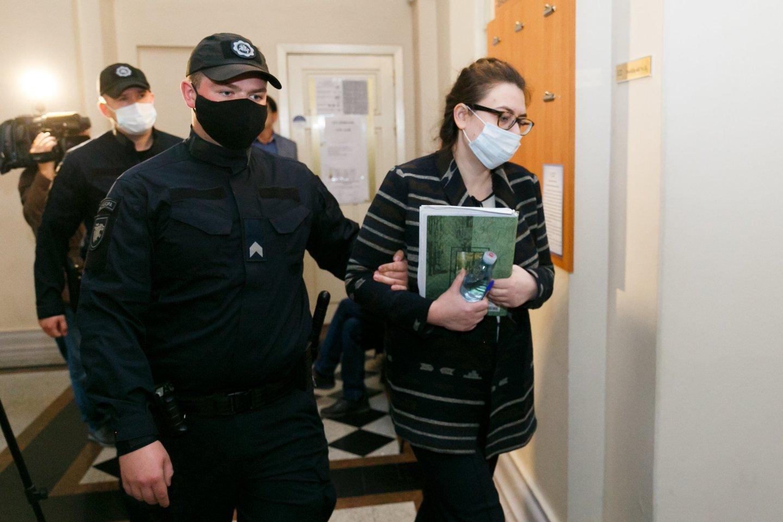 I.Žukauskaitė-Šakalienė teisme aiškino, kad nežino, kodėl nužudė pensininkę.<br>T.Bauro nuotr.