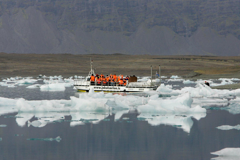 Gali būti, kad negrįžtamo klimato atšilimo taškas jau pasiektas, antradienį perspėjo mokslininkas, vadovavęs didžiausiai visų laikų ekspedicijai į Arktį.<br>V.Ščiavinsko asociatyvi nuotr.