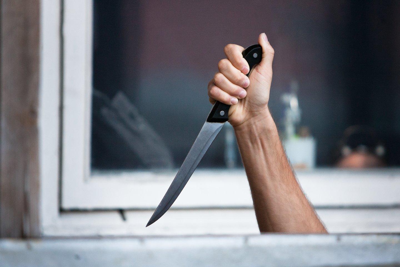 Teismo sprendimas išteisinti peiliu komisariate besišvaisčiusį smurtautoją dėl pasikėsinimo nužudyti apstulbino policijos pareigūnus.<br>A.Vaitkevičiaus asociatyvioji nuotr.