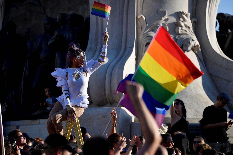 Vengrija priėmė informacijos apie LGBTQ skleidimą nepilnamečiams draudžiantį įstatymą. <br>Reuters/Scanpix nuotr.