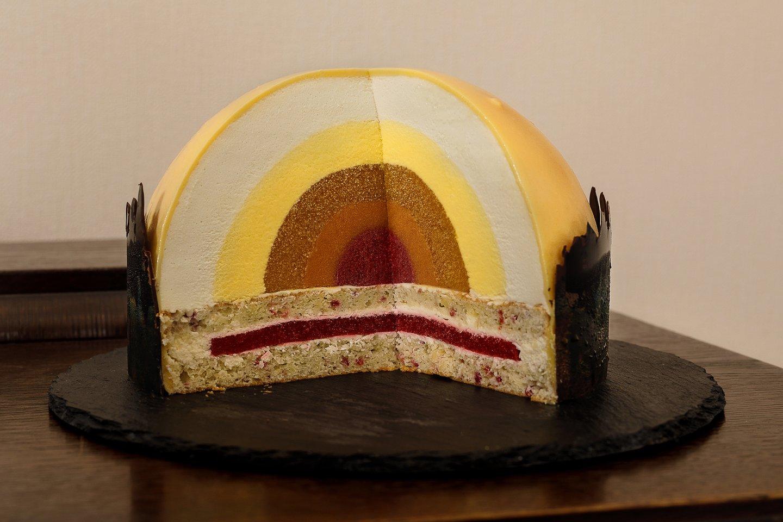 """Gelianos Sudrab pagamintas tortas """"Saulė"""".<br>Pranešimo nuotr."""