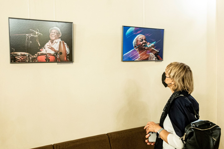 "VF 25-mečio proga Filharmonijoje surengta Dmitrijaus Matvejevo fotografijų paroda ""Vilniaus festivalio emocijos"".<br>D.Matvejevo nuotr."