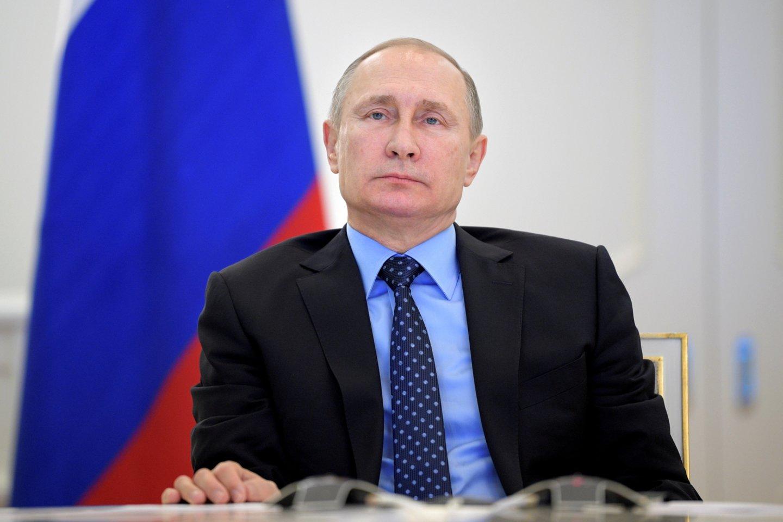 Tariamų V.Putino dukterų pasirodymas viešumoje gali būti pastangos dar labiau sustiprinti paties lyderio įvaizdį. <br>Reuters/Scanpix nuotr.