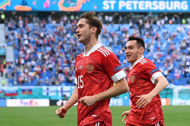 Aleksejus Mirančiukas pelnė Rusijai įvartį.<br>AFP/Scanpix.com nuotr.