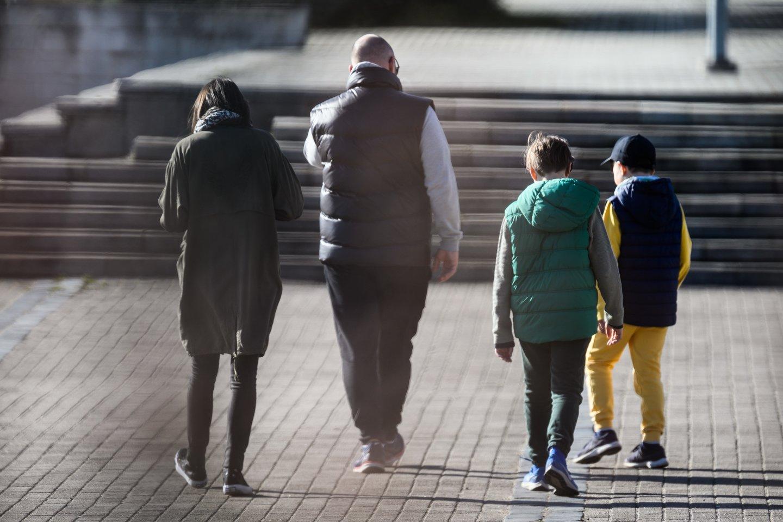 Tėvai ir vaikai.<br>V.Skaraičio nuotr.