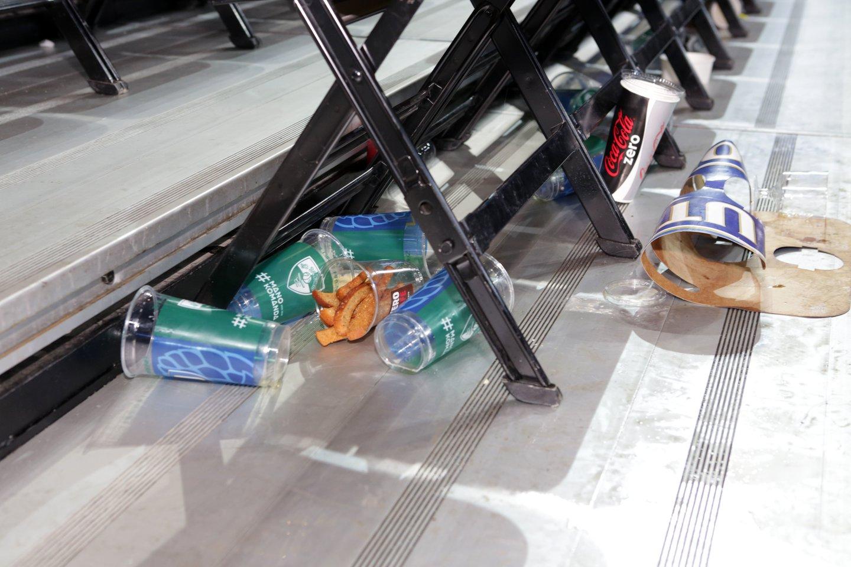 Jau nuo liepos kai kurių vienkartinių plastikinių gaminių nebeišvysime nei parduotuvėse, nei kavinėse ar baruose.<br>P.Mantauto nuotr.