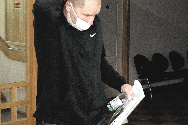 A.Mačį teismas pripažino kaltu ir pasiuntė penkeriems metams už grotų.<br>A.Švelnos nuotr.