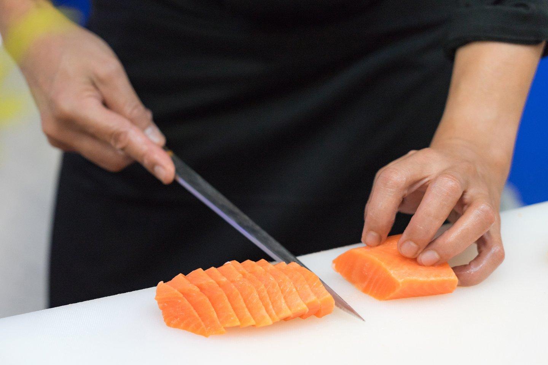 Gamtą ir produktą tausojančio maisto ruošimo paslapčių kulinarijos mokyklose paprastai nemokoma.<br>123rf.com asociatyvi nuotr.