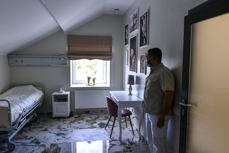Kliniką Tauragėje išplėtęs B. Al Arbiedas niekada nesigailėjo pasirinkęs Lietuvą.<br>V.Ščiavinsko nuotr.