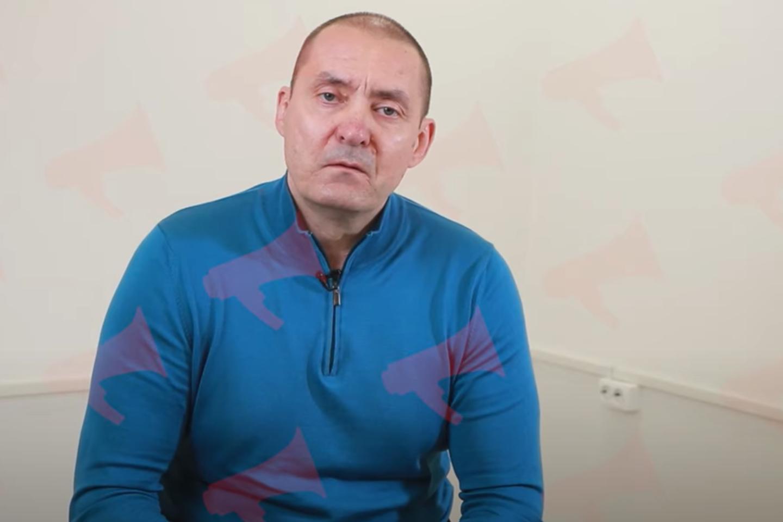 """Primorės krašte gyvenančio 53 metų Andrejaus Sapegos vaizdo kreipimąsi į A. Lukašenką platformoje """"Youtube"""" paskelbė regioninė naujienų agentūra """"PrimaMedia"""".<br>Stopkadras"""