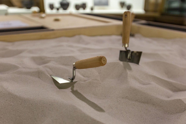 EAD metu mažieji turės galimybę paragauti archeologo duonos ir patirti tikrą atradimo džiaugsmą archeologinėje smėlio dėžėje. Lietuvos nacionalinis muziejus.<br>LNM nuotr.