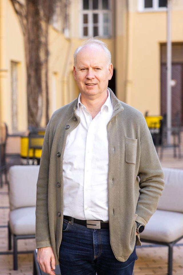 """""""Švyturio-Utenos alaus"""" ir """"Carlsberg"""" Baltijos šalyse vadovas Rolandas Viršilas pasidžiaugė, kad įmonės pastangos vykdyti verslą tvariai susilaukė pripažinimo.<br>tasfotografas.lt nuotr."""