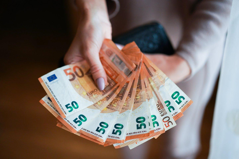 Seimo socialdemokratai toliau remia prie sienos Vyriausybę dėl kylančių kainų.<br>G.Bitvinsko nuotr.