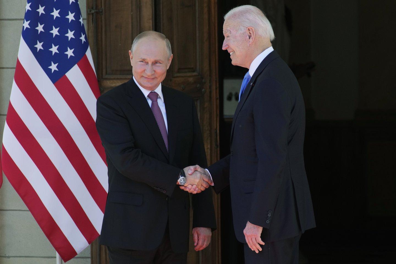 Rusijos prezidentas Vladimiras Putinas trečiadienį atvyko į Ženevą susitikimo su JAV prezidentu Joe Bidenu.<br>AP/Scanpix nuotr.