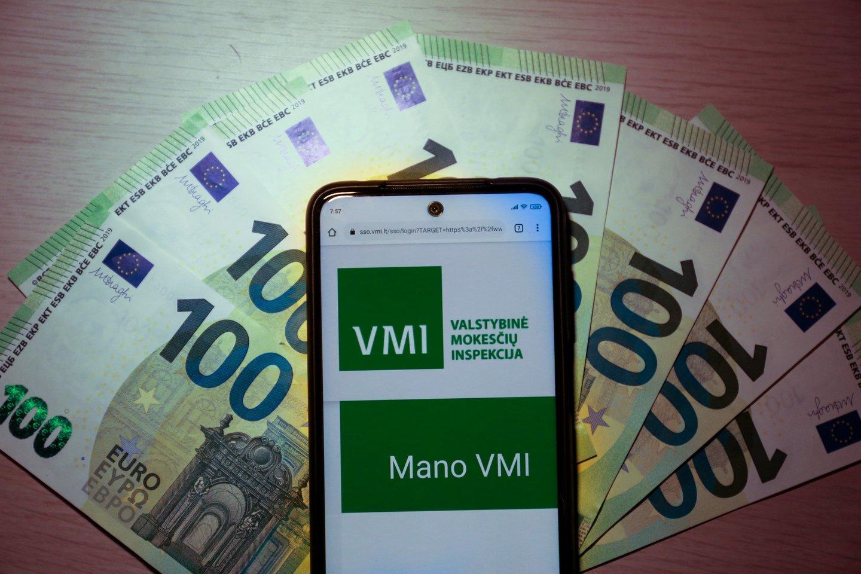 """VMI beveik 4 metus savo stalčiuose pralaikė vykdomąjį raštą apie įmonės """"Deko Group"""" direktoriui skirtą 14 eurų baudą, o kai skola išaugo iki 19 500 eurų, perdavė dokumentus antstoliams.<br>G.Bitvinsko nuotr."""