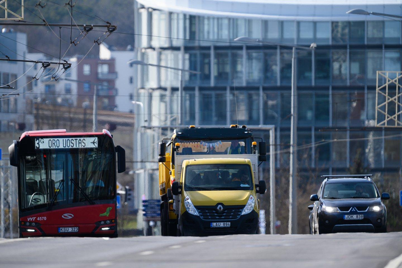 Birželio 18 – 19 d. numatomi eismo ir viešojo transporto judėjimo pasikeitimai šiose Vilniaus sankryžose: Gurių-Juodojo kelio ir Tolimosios-Juodojo kelio bei Žirnių-Liepkalnio g..<br>V.Skaraičio nuotr.