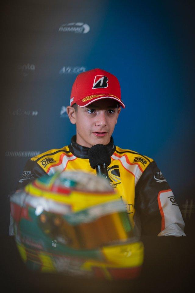 Perspektyviausias Lietuvoje kartingo lenktynininkas Kajus Šikšnelis vasarą leidžia itin intensyviai.<br>Pranešėjų spaudai nuotr.