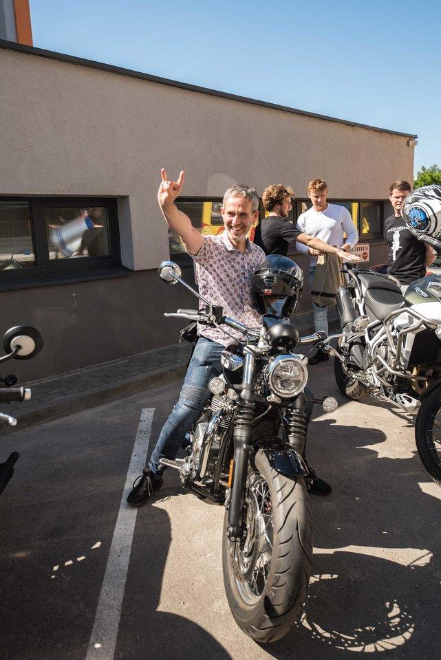 Motociklų salono atidarymas.
