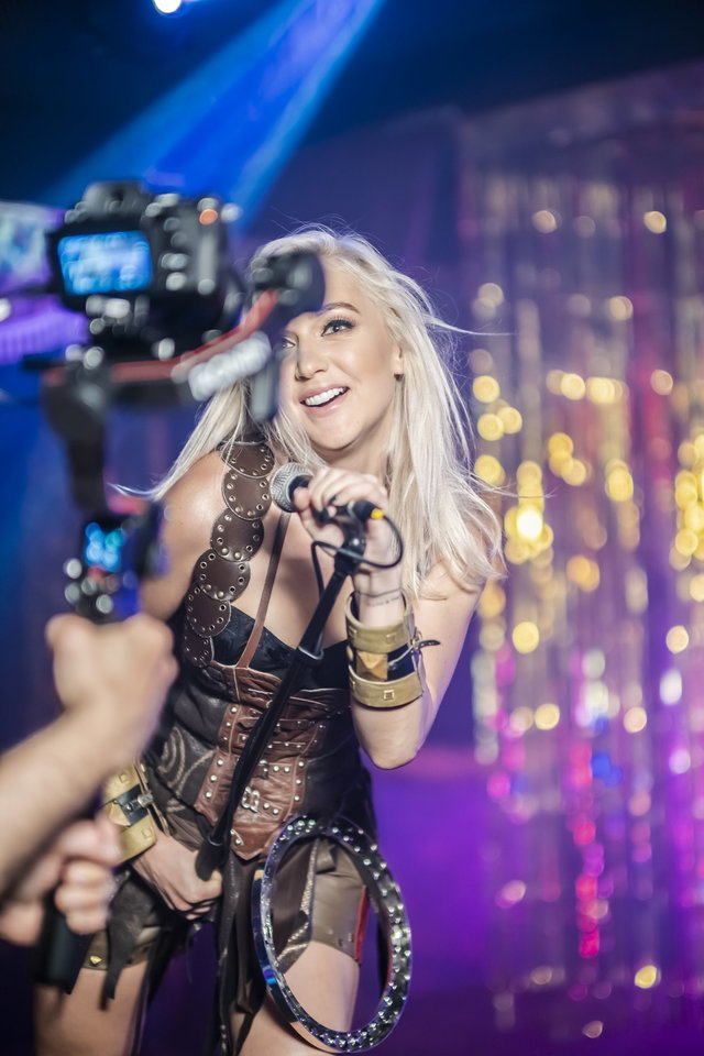 Indrė Stonkuvienė išleido naują dainą ir vaizdo klipą.