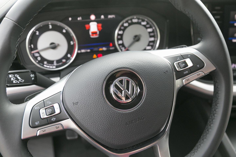 """""""Volkswagen"""" po truputį ruošiasi tapimui išskirtinai tik elektromobilių gamintoju.<br>T.Bauro nuotr."""