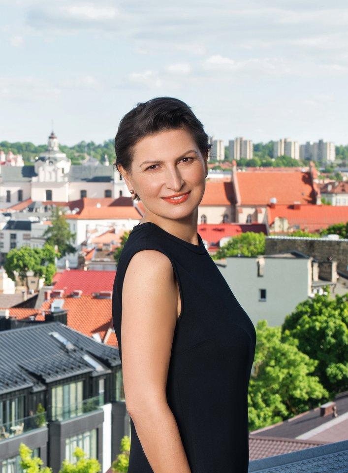 Ekonomist4 E.Leontjeva parašė romaną.<br>R.Mickevičiūtės nuotr.