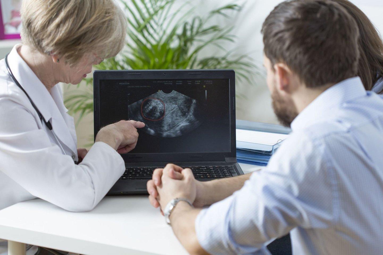 Nevaisinga laikoma pora, kuri negali sulaukti nėštumo ar pagimdyti kūdikio gyvendama aktyvų lytinį gyvenimą ilgiau nei vienerius metus.<br>123rf nuotr.