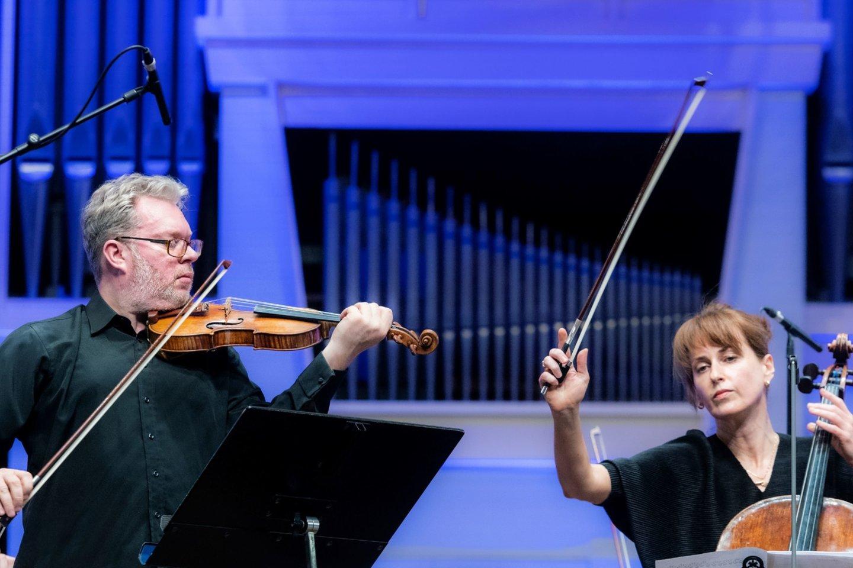 """Dž.Bidva – smuikininkas, """"Kremeratos Baltica"""" koncertmeisteris.<br>D.Matvejevo nuotr,"""