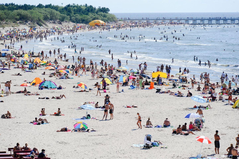 Lietuvoje kitos savaitės pirmoje pusėje taip pat išliks karšti orai, o maksimali dienos oro temperatūra priklausys nuo debesuotumo ir kritulių. Tikėtina, kad temperatūra svyruos 28–34 laipsnių intervale.<br>V.Ščiavinsko asociatyvi nuotr.
