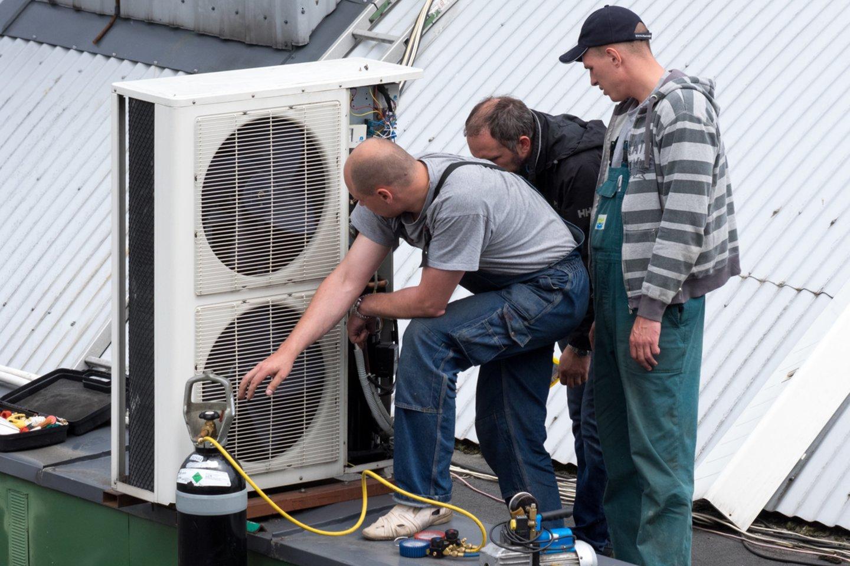 Susidomėjimas kondicionieriais išauga vos prasidėjus vasarai.<br>V.Ščiavinsko nuotr.