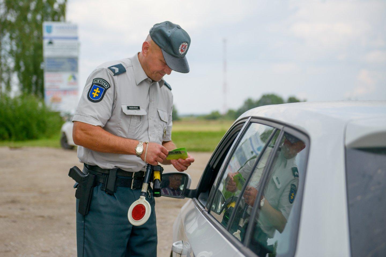 Šią savaitę visuose Klaipėdos apskrities keliuose vykdoma sustiprinta vairuotojų ir dviratininkų neblaivumo kontrolė.<br>J.Stacevičiaus nuotr.