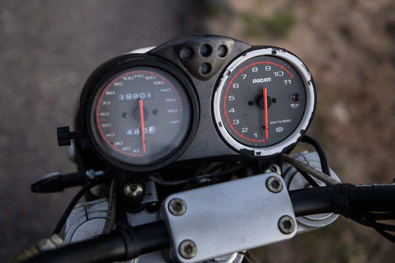Klaipėdos apskrities policija iš motociklininkės pusmečiui atėmė teisę vairuoti – ji važiavo 122 kilometrų per valandą greičiu.<br>V.Skaraičio asociatyvi nuotr.