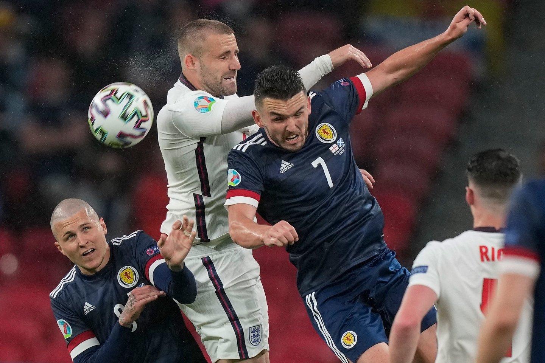 Anglijos ir Škotijos dvikovos akimirka.<br>AFP/Scanpix nuotr.
