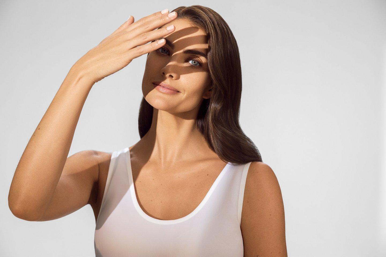Odai apsaugoti pakanka kremų, kurių SPF yra daugiau kaip 30, tačiau dermatovenerologai dažnai rekomenduoja teptis kremais su 50 SPF, nes kremo dažnu atveju naudojame per mažai arba per retai.<br>Partnerio nuotr.
