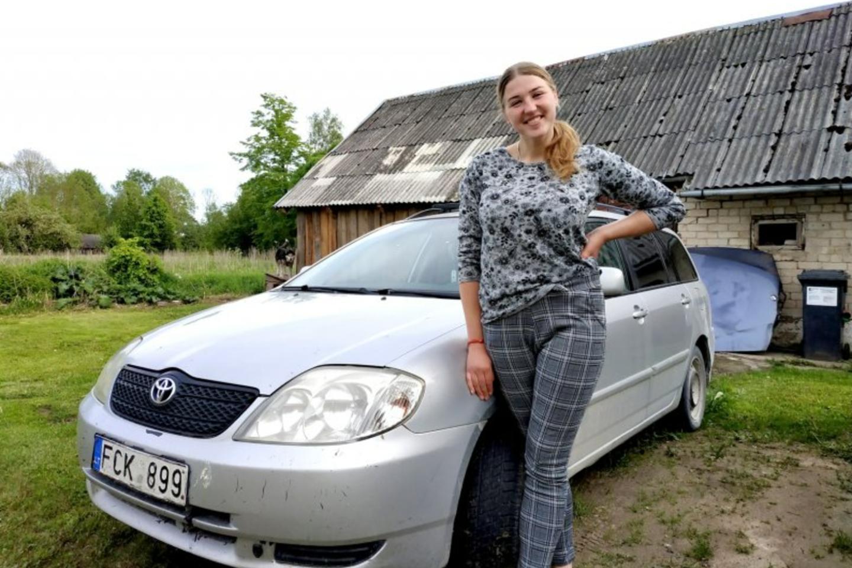 I.Suknevičiūtė iš uždarbio nusipirko ne tik namą kaime, bet ir automobilį.<br>V.Savickienės nuotr.