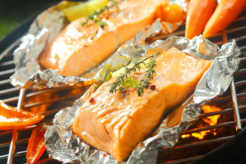 Žuvies pasiūla tikrai didelė, tad pasirinkti yra iš ko: parduotuvių lentynose netrūksta nei riebesnės jūrinės, nei liesesnės gėlųjų vandenų žuvies.<br>123rf.com asociatyvi nuotr.