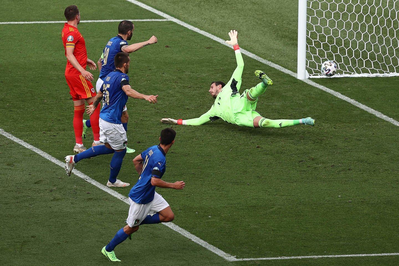 Italijos rinktinė dominuoja Europos čempionate.<br>AFP/Scanpix nuotr.