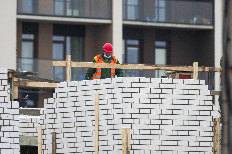 Išaugusios statybinių medžiagų kainos turi įtakos ne tik būstų kainoms: dalis statybų bendrovių gali patirti didelių nuostolių ar net bankrutuoti.<br>V.Ščiavinsko nuotr.