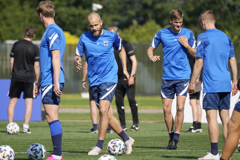 Suomiai rungtynes su belgais vadino svarbiausiomis šalies futbolo istorijoje.<br>AP/Scanpix nuotr.