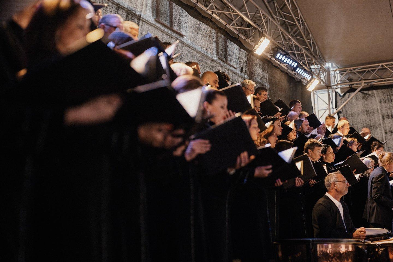 """G.Verdi """"Requiem"""" Vidaus reikalų ministerijos kieme sostinėje.<br>G.Jauniškio nuotr."""