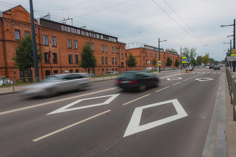 Rombų formos ženklinimas Kauno gatvėse per kelerius metus išgelbėjo ne vieną žmogų.