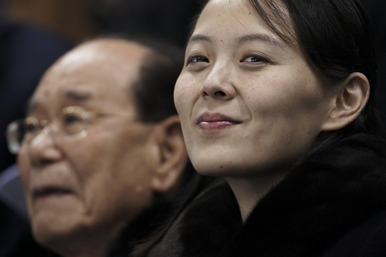 Viltis, kad dialogas bus atnaujintas, trumpam įsižiebė praėjusią savaitę, Šiaurės Korėjos lyderiui Kim Jong Unui pareiškus, kad jo šalis turi būti pasirengusi tiek dialogui, tiek konfrontacijai su Jungtinėmis Valstijomis.<br>AP/Scanpix nuotr.