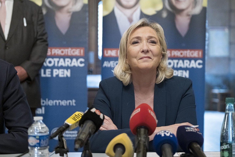 Kraštutinės dešinės lyderė M. Le Pen.<br>SIPA Press/Scanpix nuotr.